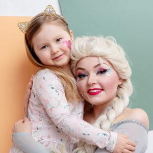 Glitterjuhlissa voi vierailla myös oikea prinsessa!