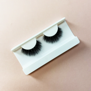 False vegan lashes called Full.