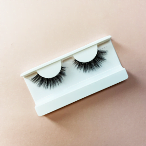 Beautiful false lashes called Mint.