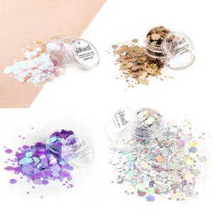 XL glittersetti sisältää neljä kosmeettista glitteriä.