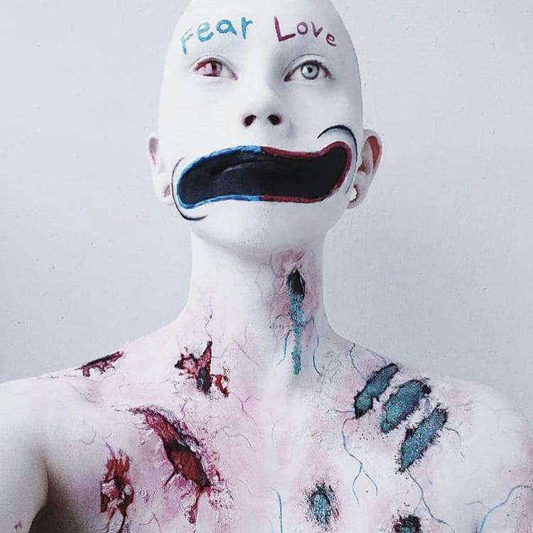 Viime vuoden Halloween meikkikilpailun voittajatyö.