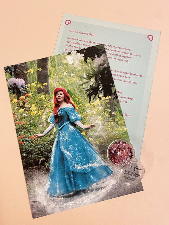Kirje prinsessalta ja biohajovaa glitteriä.